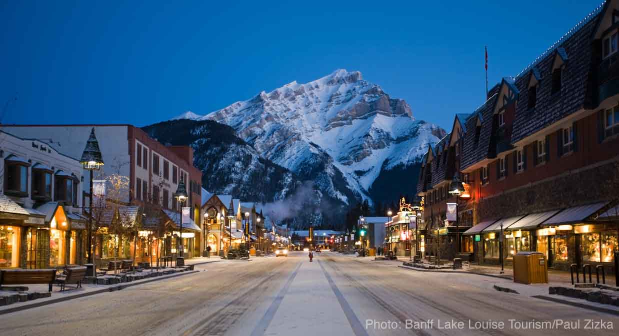 header-banff-night