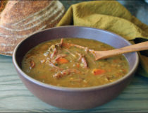 Slow Cooker Ham and Split Pea Soup